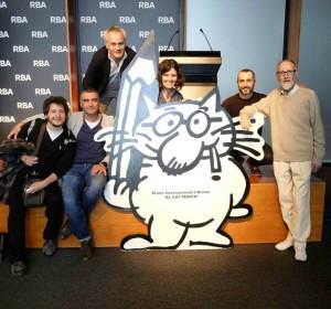 Dibujantes con Vázquez de Sola en el premio Gat Perich 2016. (Foto de Ferran Martín)