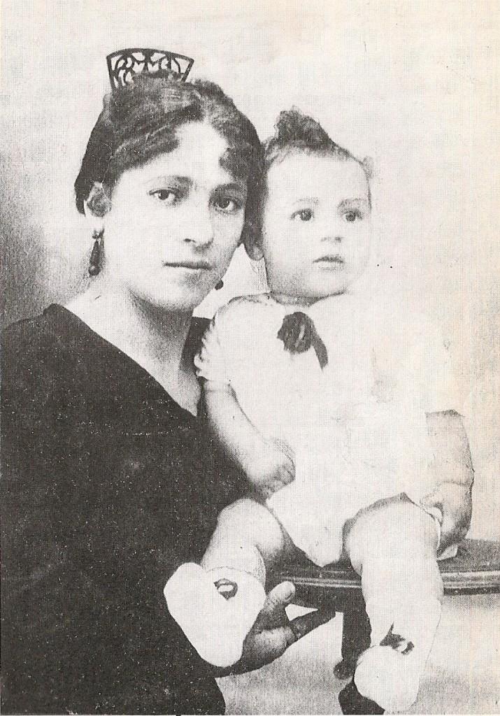 Miguel Gila con su madre Jesusa