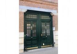 Portal de la casa de Zurbano 84, en el barrio de Chamberí donde vivió Miguel Gila