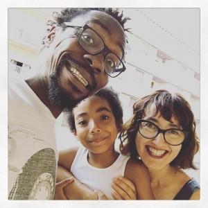 Ramón Nse Esono con su familia