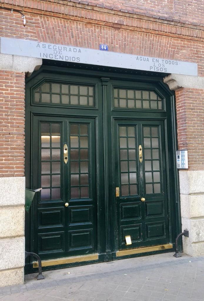 Portal Zurbano 84, donde nació Miguel Gila